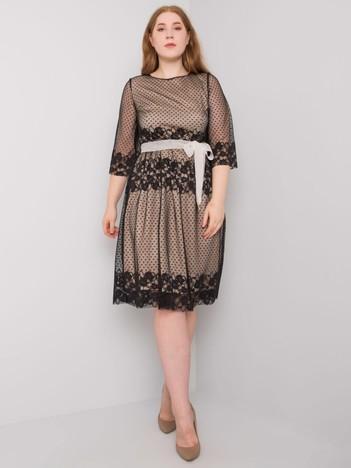 Czarna elegancka sukienka plus size Enriqueta