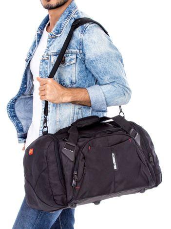 Czarna materiałowa torba męska podróżna