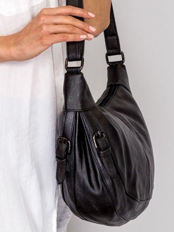 Czarna miękka torba z klamerkami