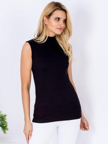 Czarna prążkowana bluzka z półgolfem