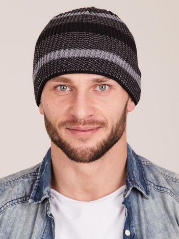 Czarna prążkowana czapka dla mężczyzny