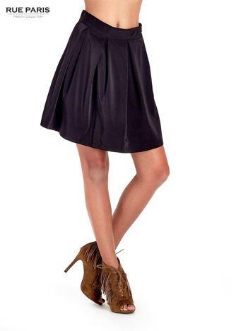 Czarna rozkloszowana spódnica z kontrafałdami