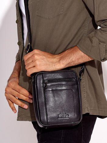 Czarna skórzana torba męska z kieszeniami