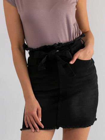 Czarna spódnica Tasty
