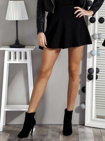 Czarna spódnica damska