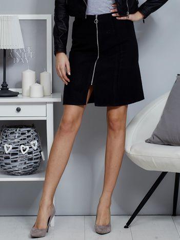 Czarna spódnica z suwakiem