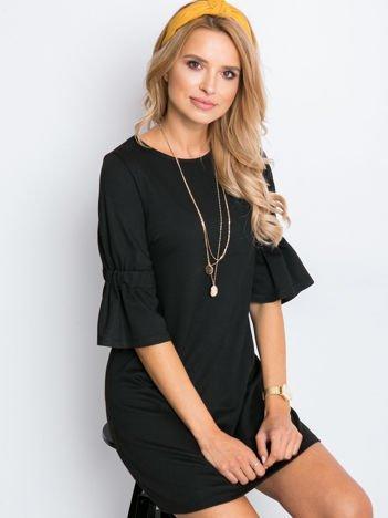 Czarna sukienka Fame