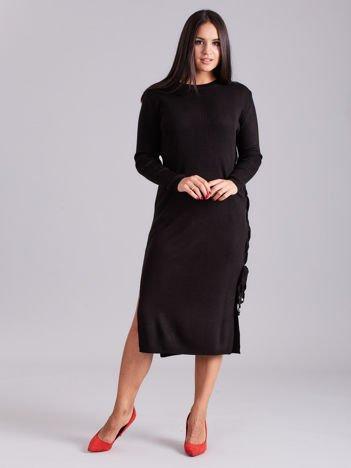 Czarna sukienka dzianinowa z bocznym sznurowaniem