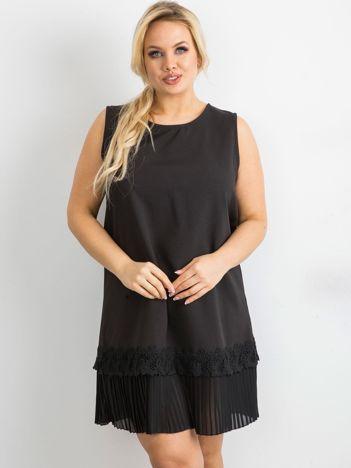 Czarna sukienka koktajlowa oversize