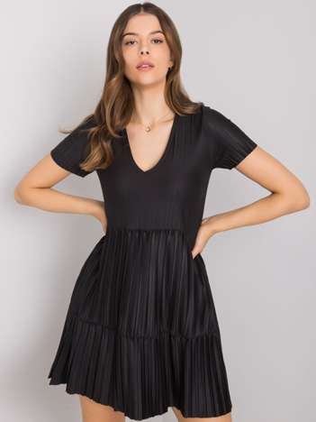Czarna sukienka plisowana Yazmin RUE PARIS