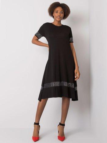 Czarna sukienka z aplikacją Caila
