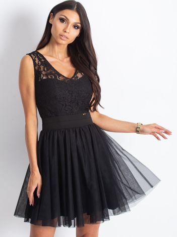 Czarna sukienka z koronkową górą