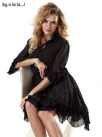 Czarna sukienka z plisowanym wykończeniem BY O LA LA