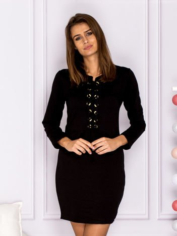 Czarna sukienka ze sznurowaniem