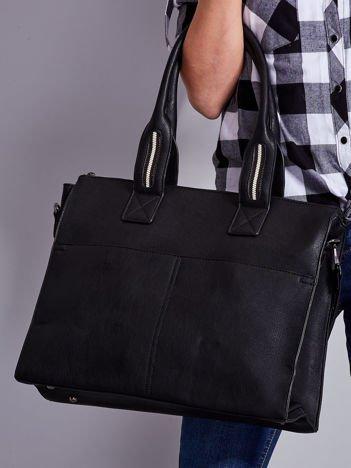 Czarna torba damska z odpinanym paskiem