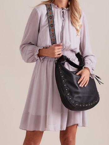 Czarna torba na ramię z kolorowym paskiem