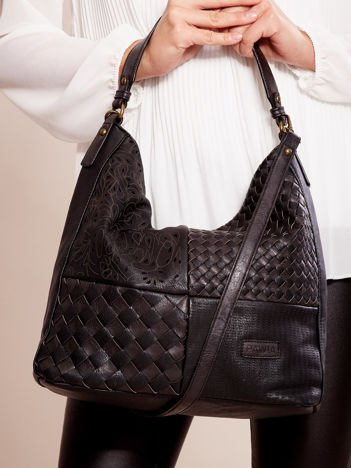 Czarna torba z motywem plecionki