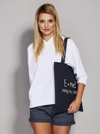 Czarna torba z napisem