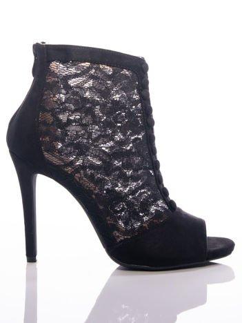 Czarne botki na szpilkach z koronkową cholewką