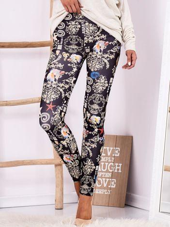Czarne legginsy z ornamentowymi motywami
