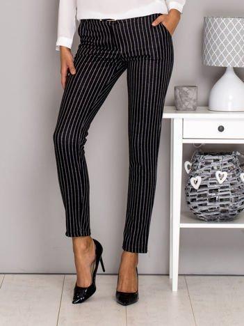 Czarne materiałowe spodnie w paski