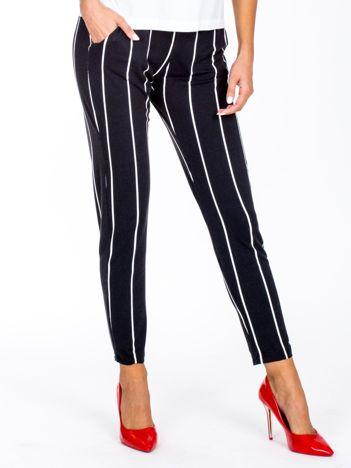 Czarne proste spodnie w paski