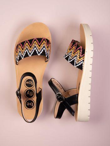 Czarne sandały Kylie z etnicznymi wzorami
