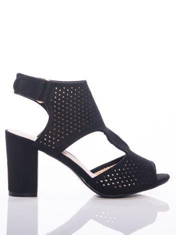 Czarne sandały Sabatina z ażurową cholewką, na grubym słupku