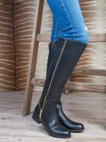 Czarne skórzane kozaki grain leather z pikowaniem i złotymi suwakami