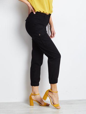 Czarne spodnie Carbonee