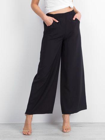 Czarne spodnie Leisurely