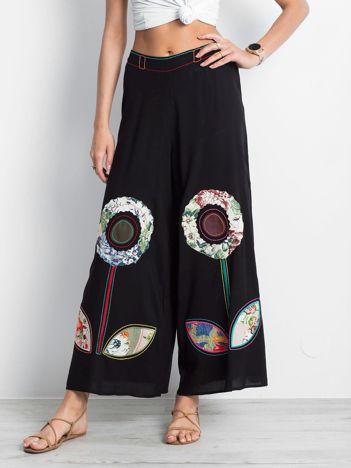 Czarne spodnie Profound