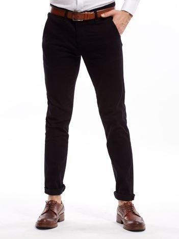 Czarne spodnie męskie chinosy o prostym kroju