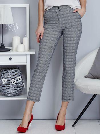 Czarne spodnie w geometryczny wzór