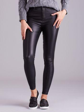 Czarne woskowane spodnie skinny fit
