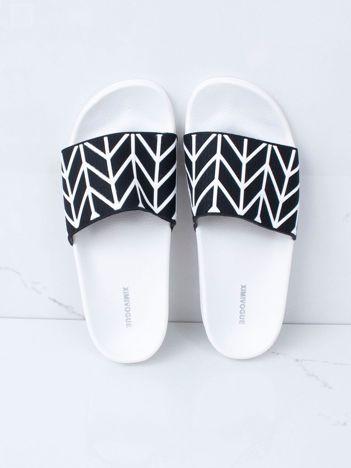 Czarno-białe klapki basenowe