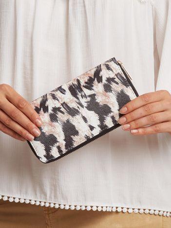 Czarno-brązowy portfel ze wzorem