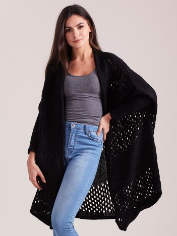 Czarny długi ażurowy sweter