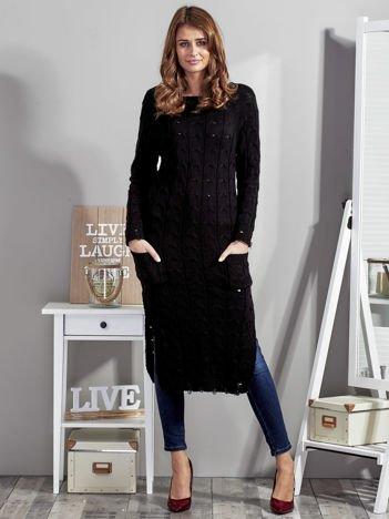 Czarny długi sweter z rozcięciem