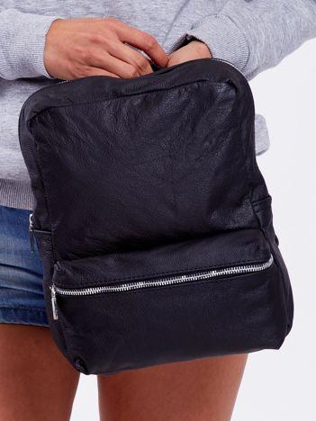 Czarny plecak z ekoskóry