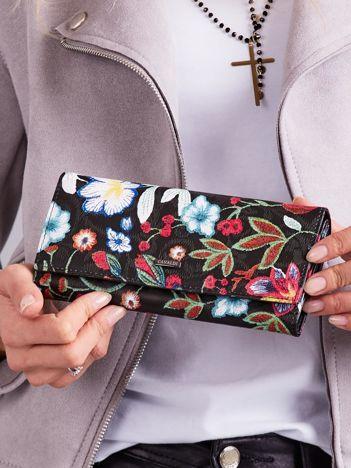 Czarny portfel damski w kwiaty