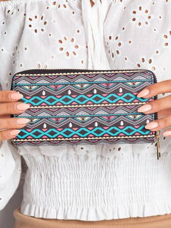Czarny portfel we wzory