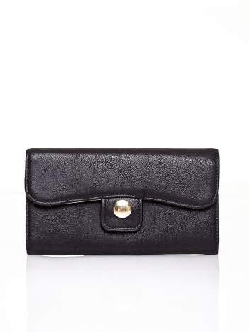 Czarny portfel z zapięciem na magnes