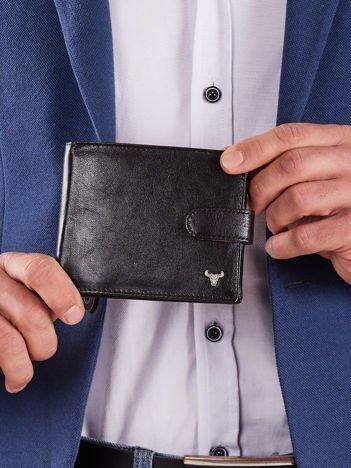 Czarny skórzany portfel męski z klapką