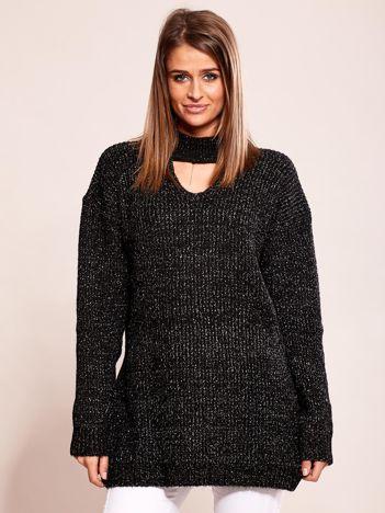 Czarny sweter z chokerem