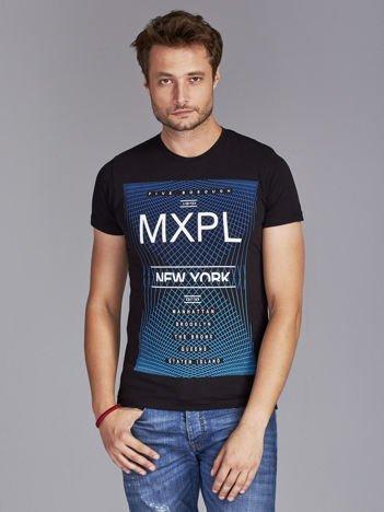 Czarny t-shirt męski z nadrukiem w miejskim stylu