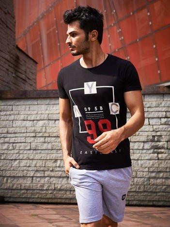 Czarny t-shirt męski z tekstowym printem