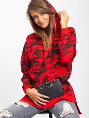 Czerwona asymetryczna bluza moro z kapturem