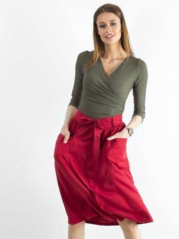 Czerwona bawełniana spódnica z kieszeniami