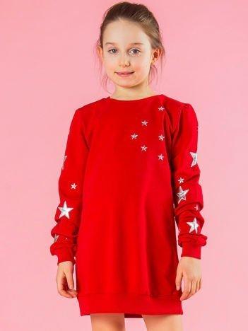 Czerwona bluza dziecięca w gwiazdki
